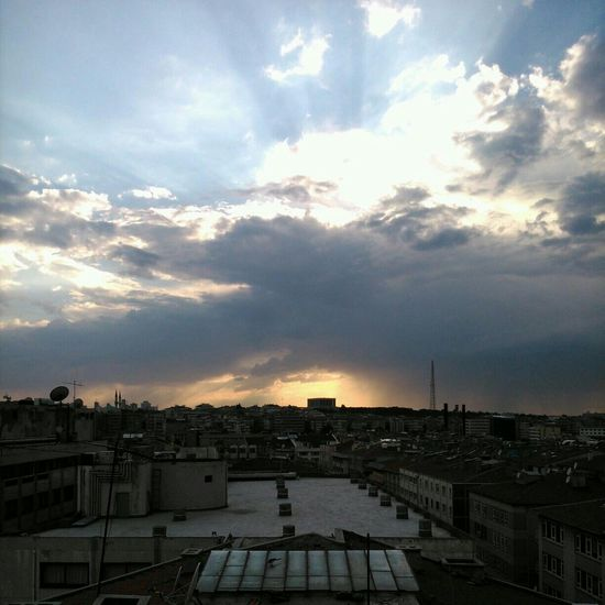 Sabah Güneşi Izindeyizatam
