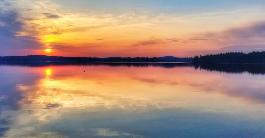 Good morning 🌞 🌱 GetOutsideNH Visitnh Scenesofnewengland EyeEmNewHere EyeEm Best Shots Water Mountain Sunset Lake Multi Colored Blue Outdoor Pursuit Reflection Pink Color Dramatic Sky Reflection Lake Reflecting Pool Romantic Sky Dramatic Landscape Moody Sky Standing Water