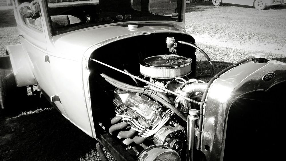 Taking Photos Check This Out Relaxing Enjoying Life Car Show Beautiful Arkansas Priceless Moment  Fresh Antique You Should Be Here Black And White Vintage Cars Classic Cars Rare Moment Amazing Taken With Phone