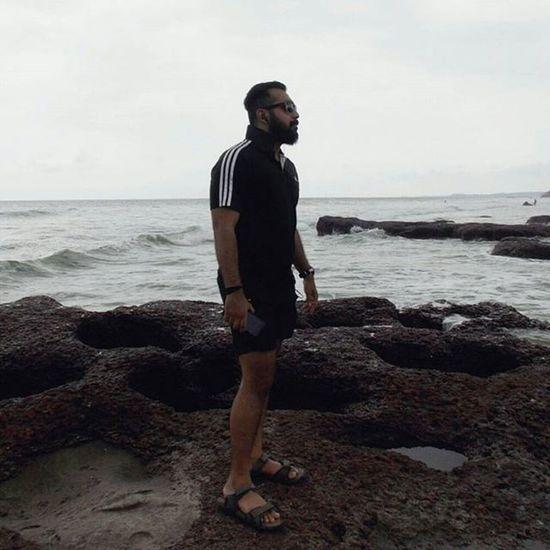 Stonewaterbeach Soloshot AllBlack Adidas Rainyweather Sea Pleasantclimate Ruffpost Picoftoday Picmygoapic Goanonamission Ahd Goa Mytraveldiary