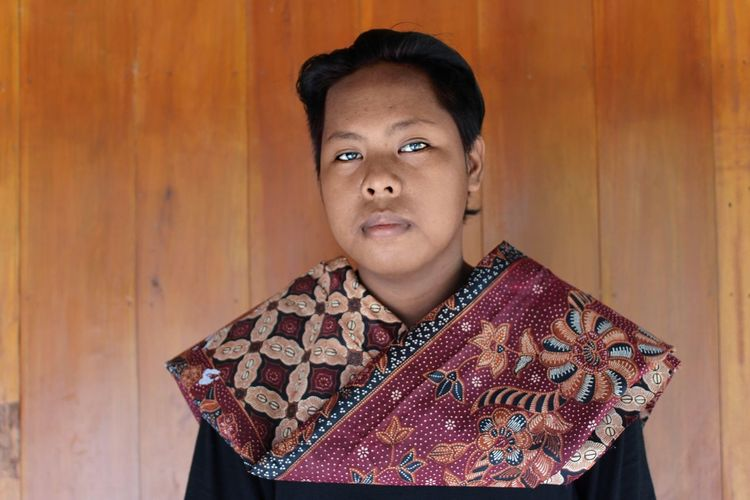 Batik Indonesia Portrait One Person Looking At Camera One Woman Only Only Women People Adults Only Adult Winter Headshot One Young Woman Only Studio Shot Young Adult Indoors  Fashion Business Finance And Industry Warm Clothing Women Beautiful Woman Human Body Part EyeEm Ready   EyeEmNewHere Love Yourself The Great Outdoors - 2018 EyeEm Awards The Fashion Photographer - 2018 EyeEm Awards