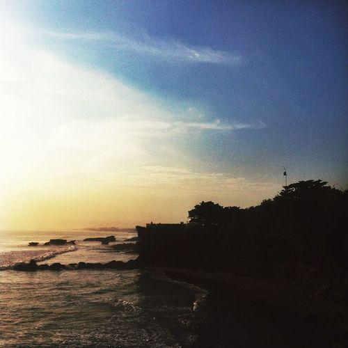 You make me feel calm like the beach ! Qotd INDONESIA Imoklet Iphonesia Iphoneonly DiscoverIndonesia Livefolks Livefolksindonesia Kamerahpgw Mataponsel Travelingindie Jelajahnusantara Instanusantara Mainsebentar Mendingkeluar