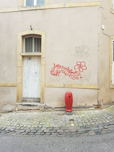 Comunication Metz, France EyeEm Gallery Streetphotography Street Photography