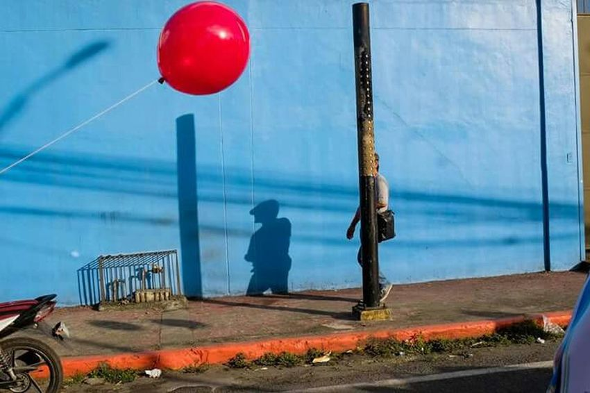 Capture The Moment This Week On Eye Em Manila, Philippines Street Photography Everyday Life Capturing Movement Street Style From Around The World Photooftheday Photooftheweek redbaloon The Street Photographer - 2017 EyeEm Awards By