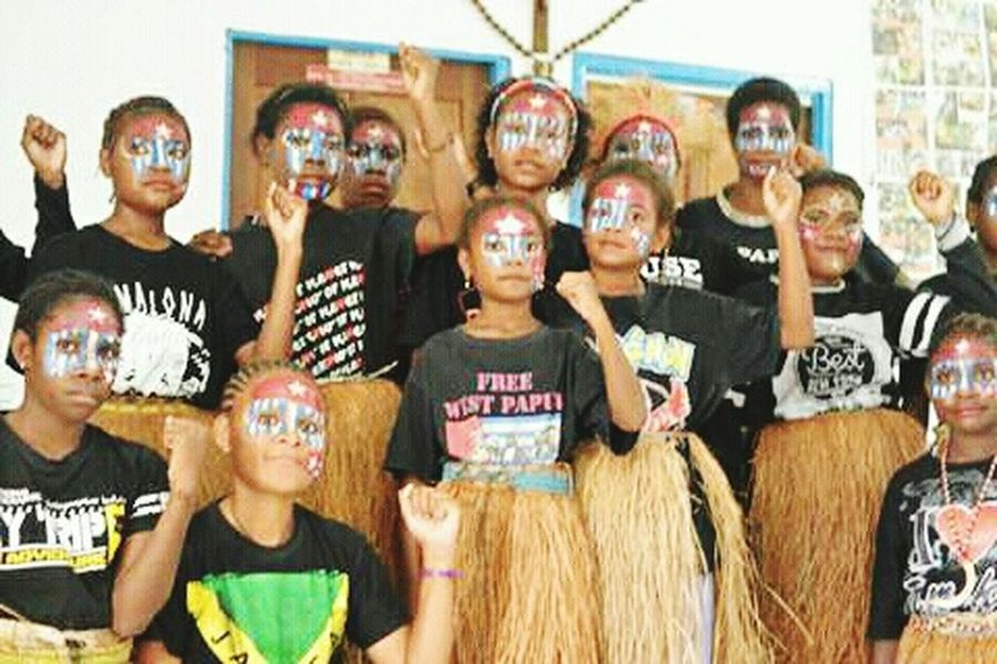 Large Group Of People Young Women Social Issues West Papua Flag Arts Culture And Entertainment Lifestyles Traditional Clothing West Papua People Papua Free Of Indonesia Colonial West Papua Politic Of Freedom West Papua Culture West Papua Girl West Papua Women Patriotism Countrylife Uniform Of West Papua Tradition West Papua Tradition West Papua Want To Free Of Indonesia Colonial.