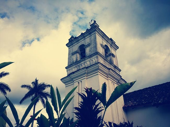 Architecture History Cloud - Sky Low Angle View Day Building Exterior Outdoors Arts Culture And Entertainment No People Orosi Costa Rica Y Su Naturaleza Costa Rica Colonial Style Buildings Colonial Style Colonial Colonial Architecture Church Architecture Church Sky Architecture Built Structure Great Performance Night