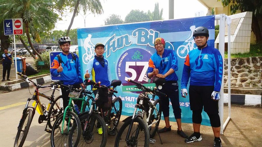 Sports Team Sport Bicycle Men Cycling Friendship