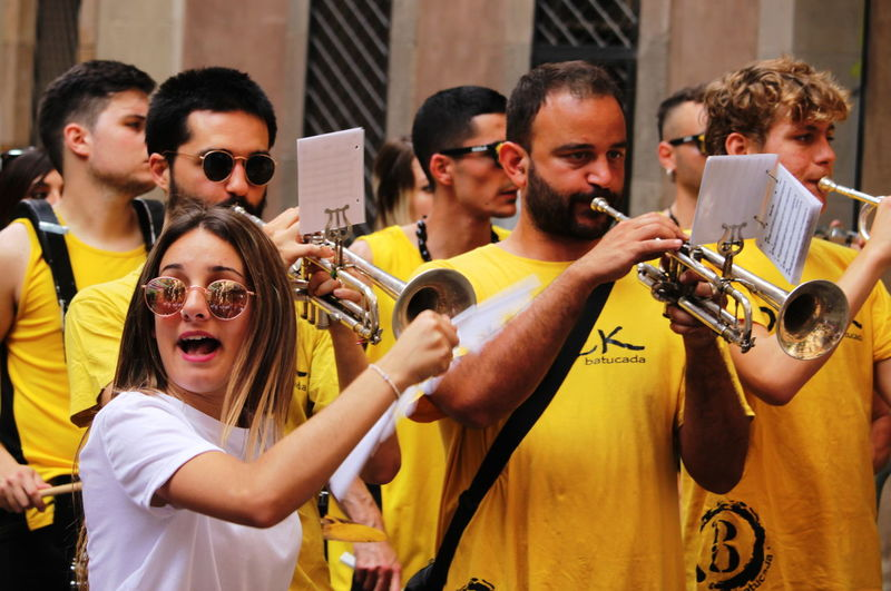 Barcelona Feast June 2017 Woman Barceloneta Crowd Day Eyeglasses  Men Music Musical Band Musician Outdoors People Performance Trumpets Yellow T Shirt Young Adult