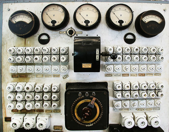 Technology Close-up Control Panel Industry Machinery Retro Styled Meter - Instrument Of Measurement Fuse Box Fuse Panel Old