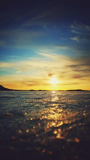 Sunset Beautiful Nature River Ice Frozen River Reflecting Sunset
