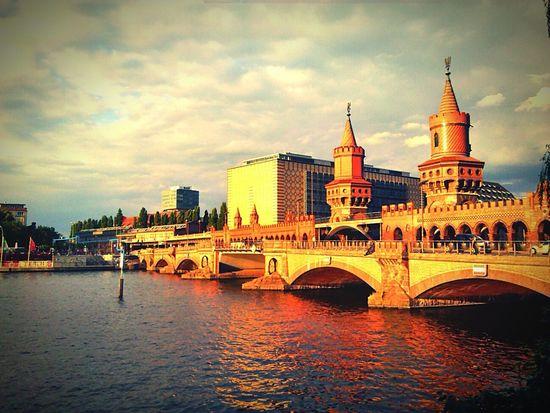 Oberbaumbrücke sundown 3.7.16 Taking Photos Enjoying Life Hanging Out Hello World Berlin Vignette Art Relaxing