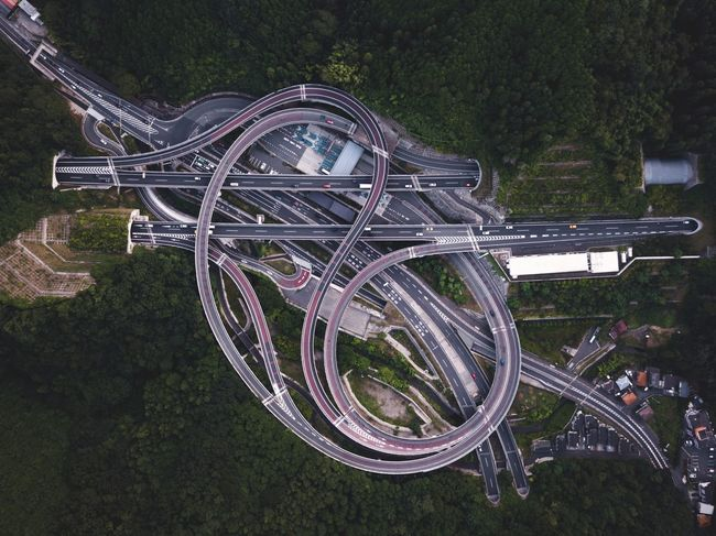 @itchban / itchban.com Architecture Cars City Dramatic Sky Interchange  Road Drop High Angle View Highway Road Trip Urban The Architect - 2018 EyeEm Awards