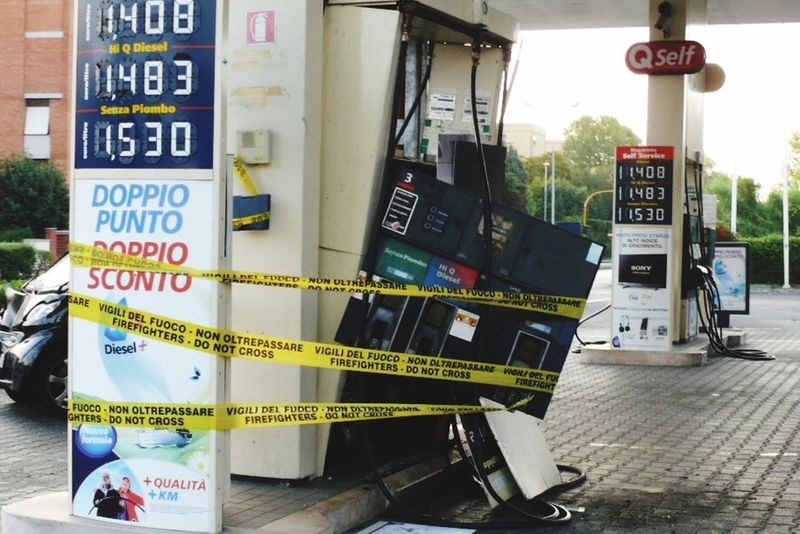 fixed Tankstelle Unfall Text Communication Day No People Outdoors