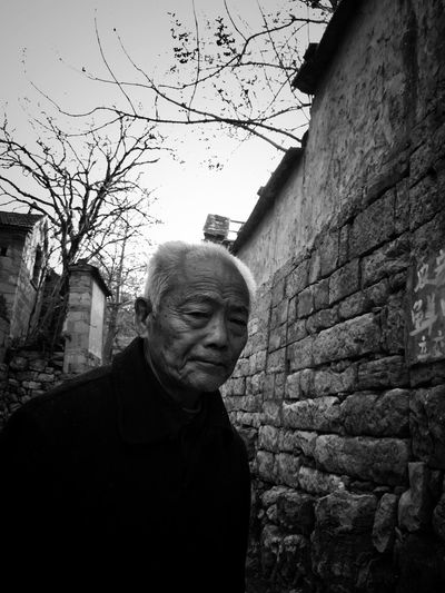 One Person Real People Senior Adult Standing Outdoors Streetphotography EyeEm Taiwan Eye4photography  EyeEm Gallery My Black & White Photography Bnw_life Still Life Daily Life Old Senior Men Lifestyles Streetphoto_bw Street Portrait Portrait
