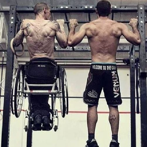 So after seen this picture, do you still want to give up? This guy cant walk and look at him doing pull ups. NEVER GIVE UP. Neversurrender NeverQuit Nevergiveup WORKHARD