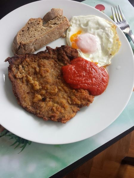 Egg Meat Tomate Sauce Cachodepan