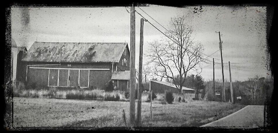 Farm Life Rural America Oldfarmhouse Longroadahead