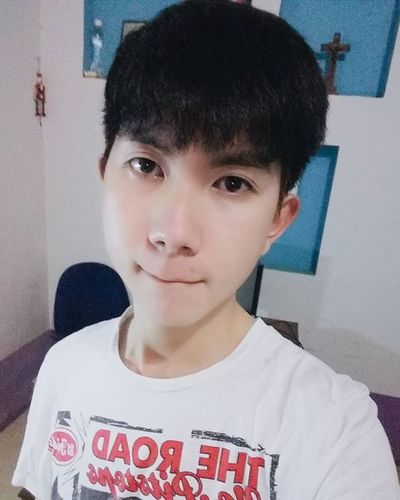 Tóc lại về màu đen rồi ! 😂😂 Vietnamboy Vietnam Boy Chinaboy Asian  Selfie Beauty Boys Cool Followme Funny Happy Heart Hot Instaman Male Males  Man Me Men Greattime