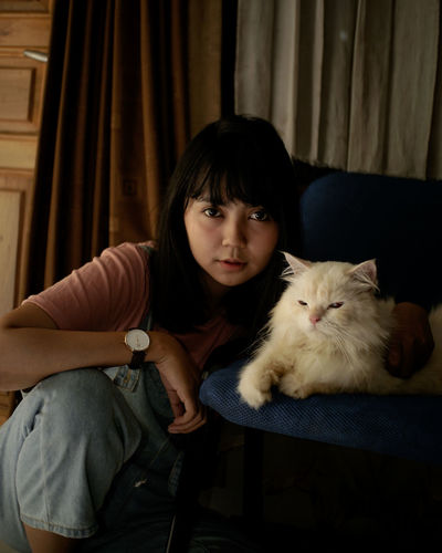 Cat Women. Pets