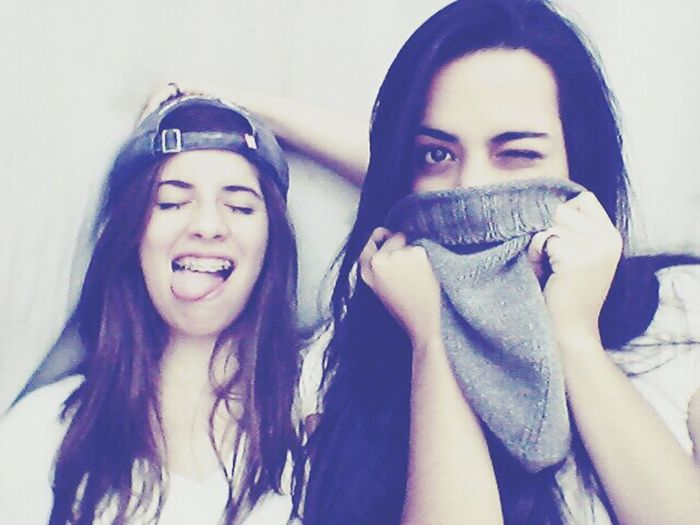 Funny moments. Funny Friend Simle  Model