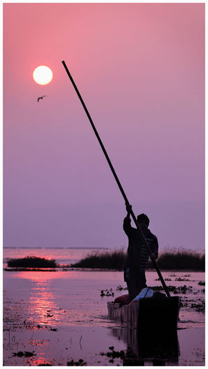 Boats⛵️ Water One Person Fishing People Silhouette Outdoors Nature Sunraising🌞 LoveNature Indianphotography Natural Beauty Fotografie Bhopal, Madhya Pradesh, India Beautiful Nature Nature Photography Fotografia Nature Photographer Multi Colored Worldwide_shot Capture The Moment Dslrphotography Photooftheday Photographing