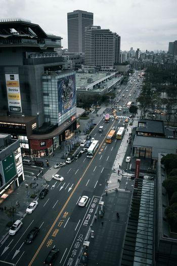 Taipei Xinyi StreetphotographyEyeEm Urban Taipei Taiwan EyeEm Taiwan Taipei City Urban Exploration Urban Street Streetphotography The Street Photographer - 2017 EyeEm Awards The Great Outdoors - 2017 EyeEm Awards EyeEmNewHere Neighborhood Map