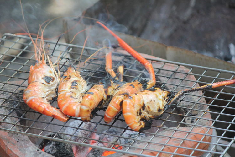 Grilled shrimp on charcoal stove