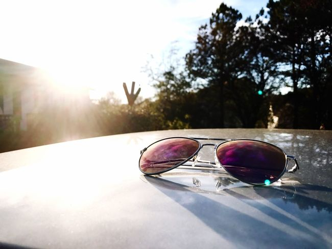 Sunglasses Reflection Sunlight No People Day Outdoors Sun Aviator Sunglasses Aviatorshades Sunglasses :) Sunlight Focus On Foreground Focus Object Focus On Foreground,shallow Focus Object Photography Accessories ❤ Nature Sky Close-up Eyeglasses