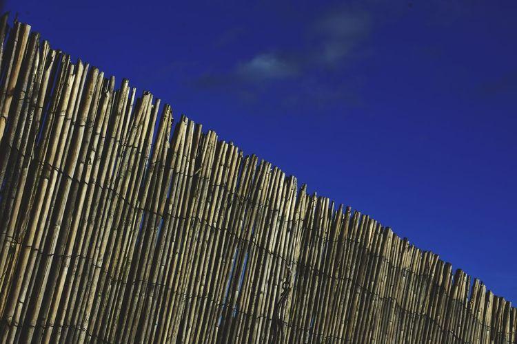 Diagonal. Sky