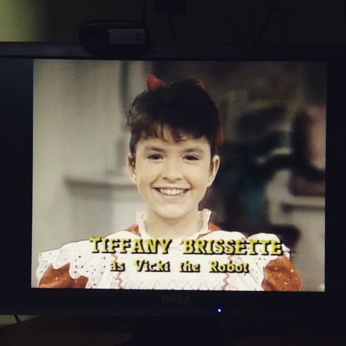 She's fantastic, made of plastic, microchips here and there.... Smallwonder Vicki Almosthuman Robot tv childhoodsitcom 📺