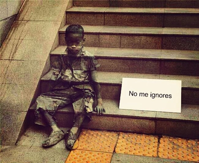 Street art- Don't ignore me
