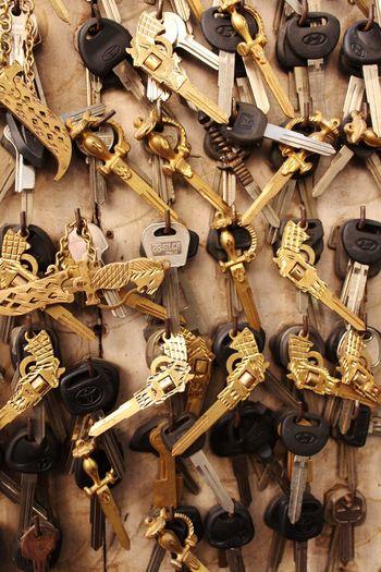 key Key Keys Key Full Frame Backgrounds Close-up For Sale Stall Market Stall Shop Display Retail Display Raw Key Ring