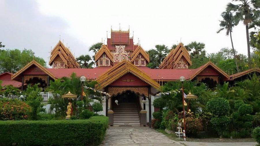 วัดไทยศิลปะพม่า Thai Temple Lampang Temple buddhism Burmese
