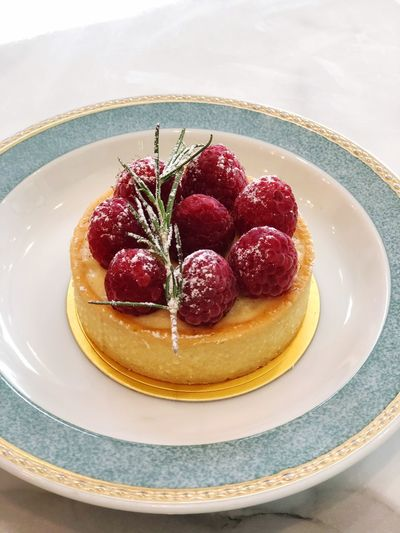 Food And Drink Food Sweet Food Freshness Sweet Plate Dessert Berry Fruit Fruit Ready-to-eat Cake