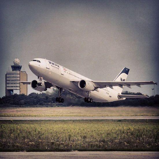 TakeOff Bud Airplane Airport Ferihegy 31l Tower Iranair