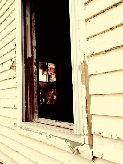 Creepy abandoned house in Maine Followme Mypictures Photographer MyPhotography Professionalphotography Myprofile Creepy Window Haunted