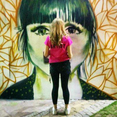 The Artist at work. Graffiti Streetnightsjbr