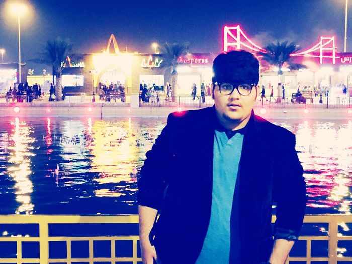 Dubai Festival Enjoy Global Village Fun With Friends Taking Picture That's Me