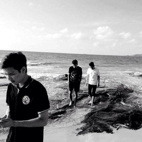 Sea, love, friend, beer, smoke,