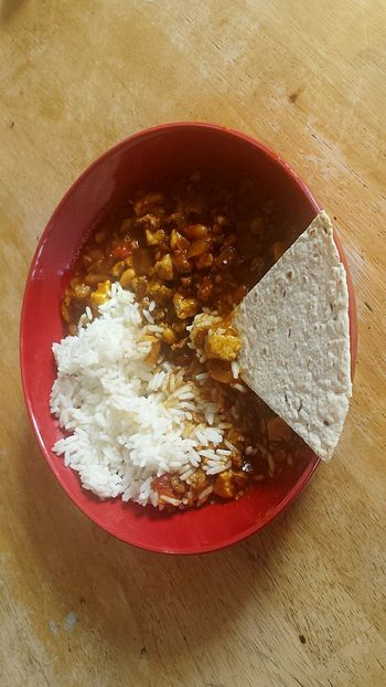 Chilli xxxxxxx Nefilian Xxxxxxx Quorn Healthy Eating Beans Tomatos Gravy Chill Flatbread  Riceworld X