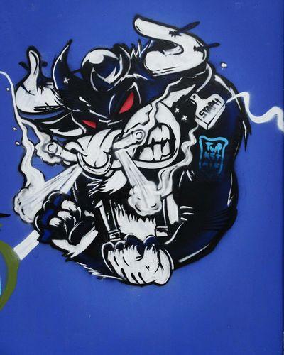 Outdoors Day Street Graffiti City France Bordeaux Tag Graf Graff First Eyeem Photo Graffiti Art Graffitiart Bordeaux, France Graffiti & Streetart Bordeaux France Bordeauxmaville No People Bleu Blue Taureau Taurus Taurus ♉ Art Artist