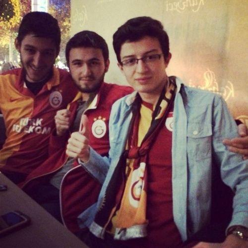 AAKFenerbahce IcimRahatEtmiyor NKFVAS UltrAslan bugunGunlerdenGalatasaray SondurunİsiklariGELİYORUZ Galatasaray