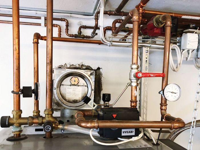 Water Pipes Pipes Pellet Gauge Gauge No People Indoors  Industry Equipment Machine Part Pressure Gauge