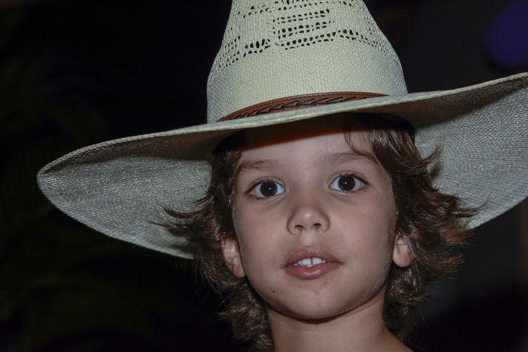 My Boy Cowboy...Eduardo Chapéu Child Child Portrait Cowboy Cute Faces Faces Of EyeEm Farm Hat Portrait Retrato Simplicity The Portraitist - 2016 EyeEm Awards