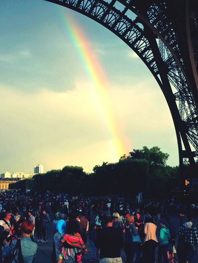 paris eifelturm Regenbogen The Street Photographer - 2016 EyeEm Awards