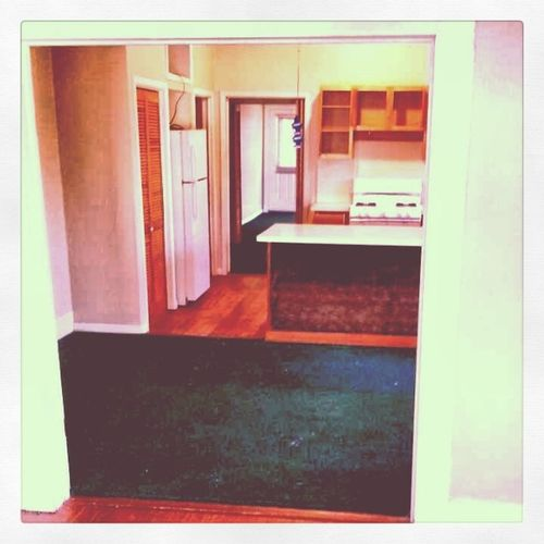 Moved out!! :) Readyforthissemster Movedout Cleancleanclean Miserablebutworthit roommatebonding