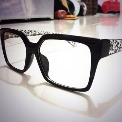 The Myth eyeglasses . Black / crystal black. 08990125182 for order.