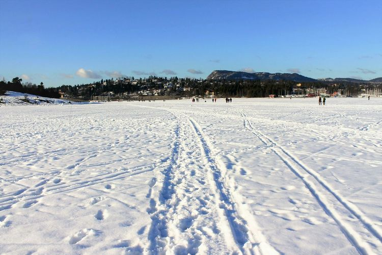 Oslo fiord frozen to ice and covered with snow, the perfect time to walk over water. Snow Winter Cold Temperature White Color Landscape Nature Outdoors Snowing Day Sky Oslo Fjord Frozen Nature Scenics Sea Winter Wintertime Winterscapes Winter_collection Norway Walk WalkingOnWater Premium Collection Premium An Eye For Travel Shades Of Winter