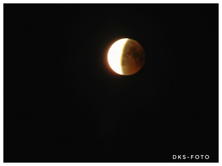 Lunar Eclipse Sweden The True Story The Great Outdoors - 2018 EyeEm Awards Astronomy Space Moon Science Astrology Sign Solar Eclipse Crescent Moon Surface Sky