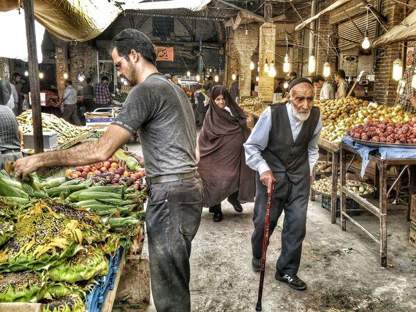 Iran Zanjan Bazaar Street Photography Man Mobartphotography Mobail Photo Tourist Travel Old Man Old Woman LG G4